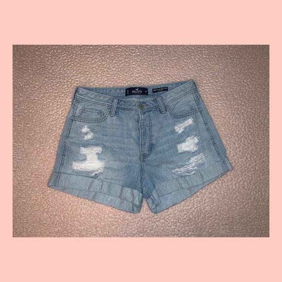 Hollister Pants - Hollister Co. High Rise Mom Shorts